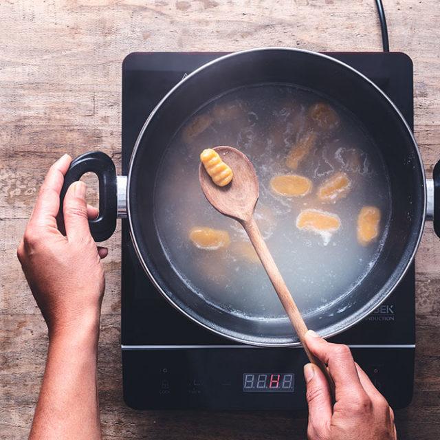 Étape 4 - Recette Gnocchis de courge Butternut à la Fourme d'Ambert et à la sauge