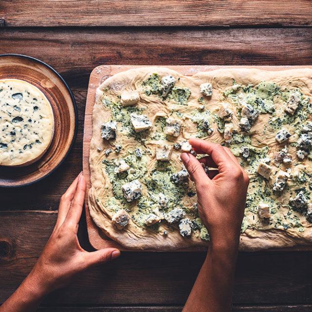 Étape 4 - Recette Pull appart bread à la Fourme d'Ambert, ail et jambon d'Auvergne