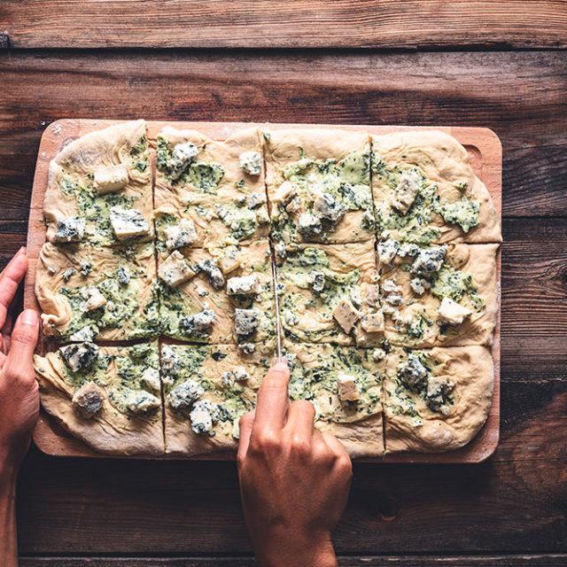 Étape 5 - Recette Pull appart bread à la Fourme d'Ambert, ail et jambon d'Auvergne