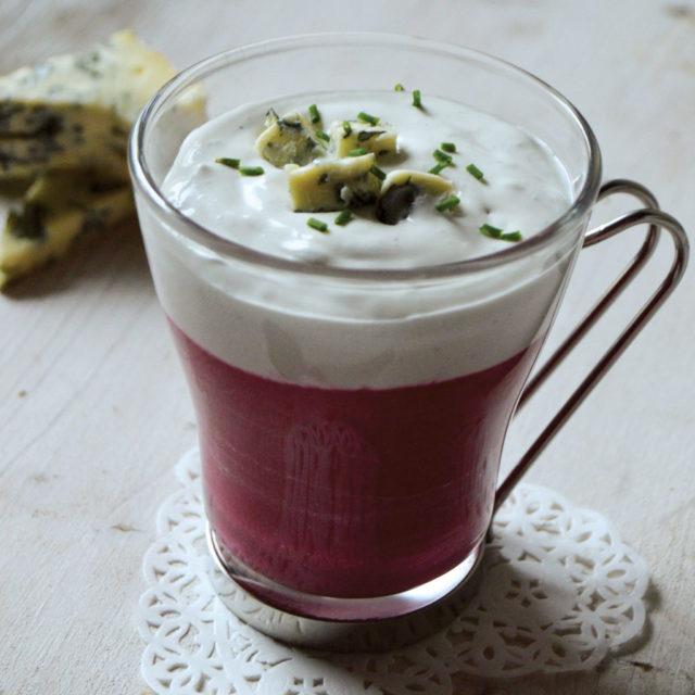 Cappuccino de betterave et Fourme d'Ambert