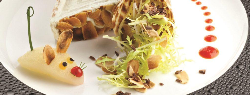 Bermude de Fourme d'Ambert aux poires et aux amandes, copeaux de chocolat acidulés