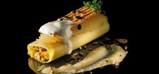 Cannellonis farcis à la volaille, poire et Fourme d'Ambert