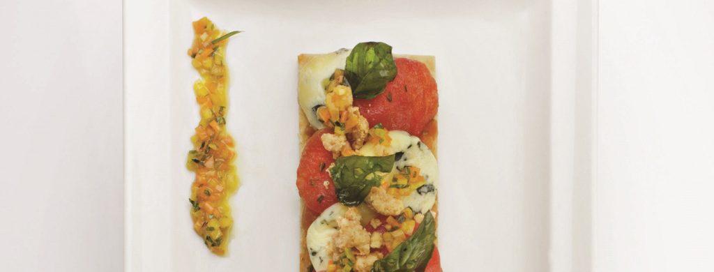 Tomato crumble tart à la Fourme d'Ambert