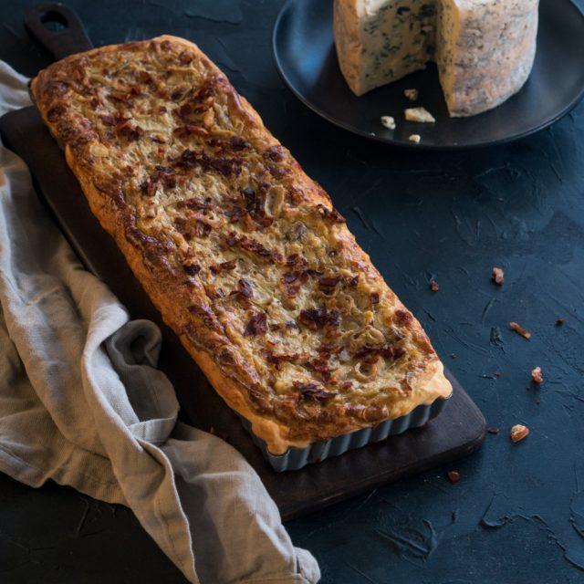 Zwiebelkuchen mit Fourme d'Ambert