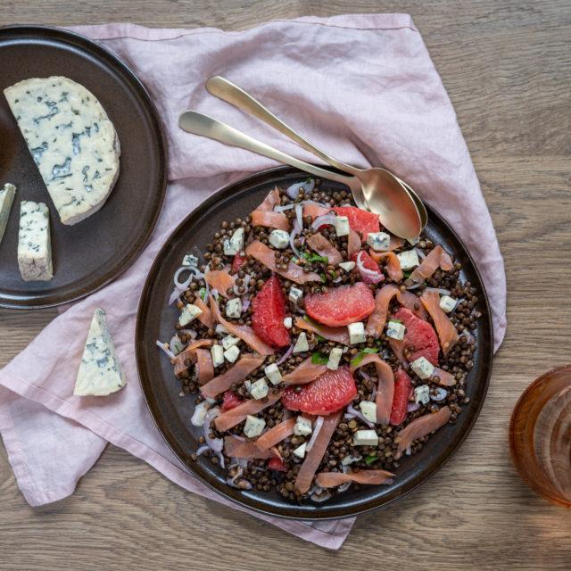 Salade de lentilles vertes du Puy au saumon fumé, Fourme d'Ambert AOP et agrumes